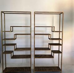 estanteria hierro dorado envejecido.jpg