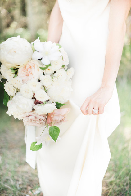 Emma Lea Floral- The Styled Soiree- Maribeth Photography- Buena Vista Colorado Wedding | Bride | Bridal Bouquet | White, blush, mauve | Peony | Garden Rose | Clematis | Spray Rose |