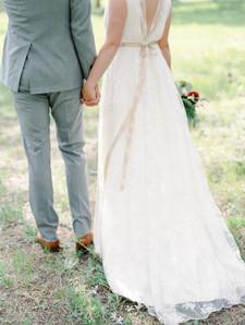 Emma Lea Floral - Connie Whitlock- Della Terra Wedding- Colorado  | Mountain Wedding | Bride and Groom | Blush | Gray |