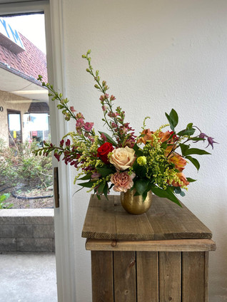 2 Grand Arrangement - Emma Lea Floral.jp