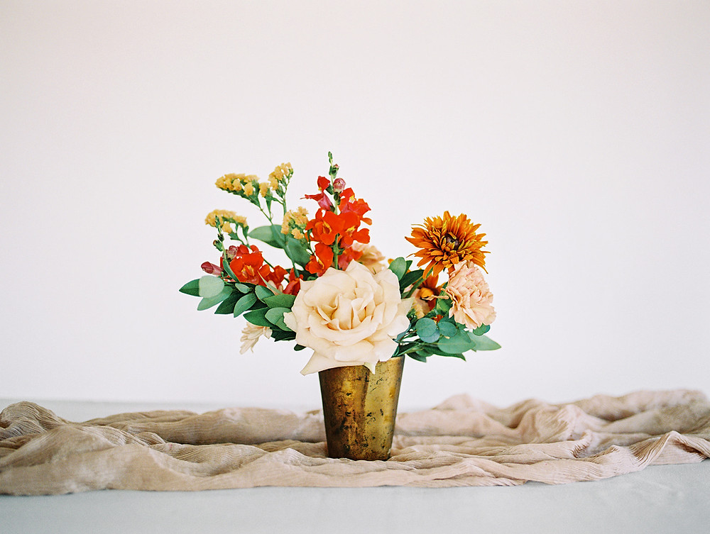 Emma Lea Floral - A La Carte Shop - Online Order Wedding Flowers - Tara Bielecki Photography - Affordable, Simplified, Beautiful Arrangements - Small Arrangement - Warm Earth Tones
