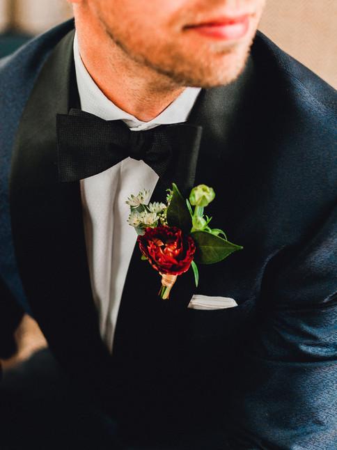 Emma Lea Floral- Sara Brown Weddings- Sara Lynn Photography- Stefanie Hofmeister Lettering & Design- Wildflower Cakes - Hotel Teatro | Denver Colorado Fine Art Floral Design - Wedding and Event Florist | Modern Minimal | Wedding Dress  | Modern Florals | Bride | Groom | Boutonniere | Navy Tuxedo |  Couture Colorado |
