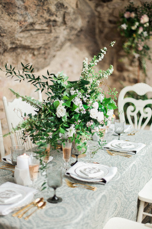 Emma Lea Floral- The Styled Soiree- Sara Lynn Photography- Cherokee Ranch And Castle Wedding | Denver Colorado Fine Art Floral Design - Wedding and Event Florist | Centerpiece | Spirea | Clematis | Garden Rose | Jasmine | Garden Style | Greenery | White |