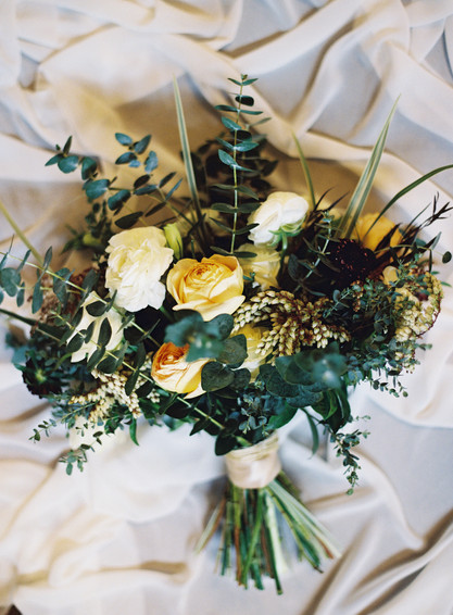 Emma Lea Floral- The Styled Soiree- Carrie King Photography- Wild Canyon Ranch Winter Wedding