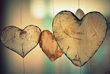 33184_brown-heart-shaped-hanging-decor.jpg