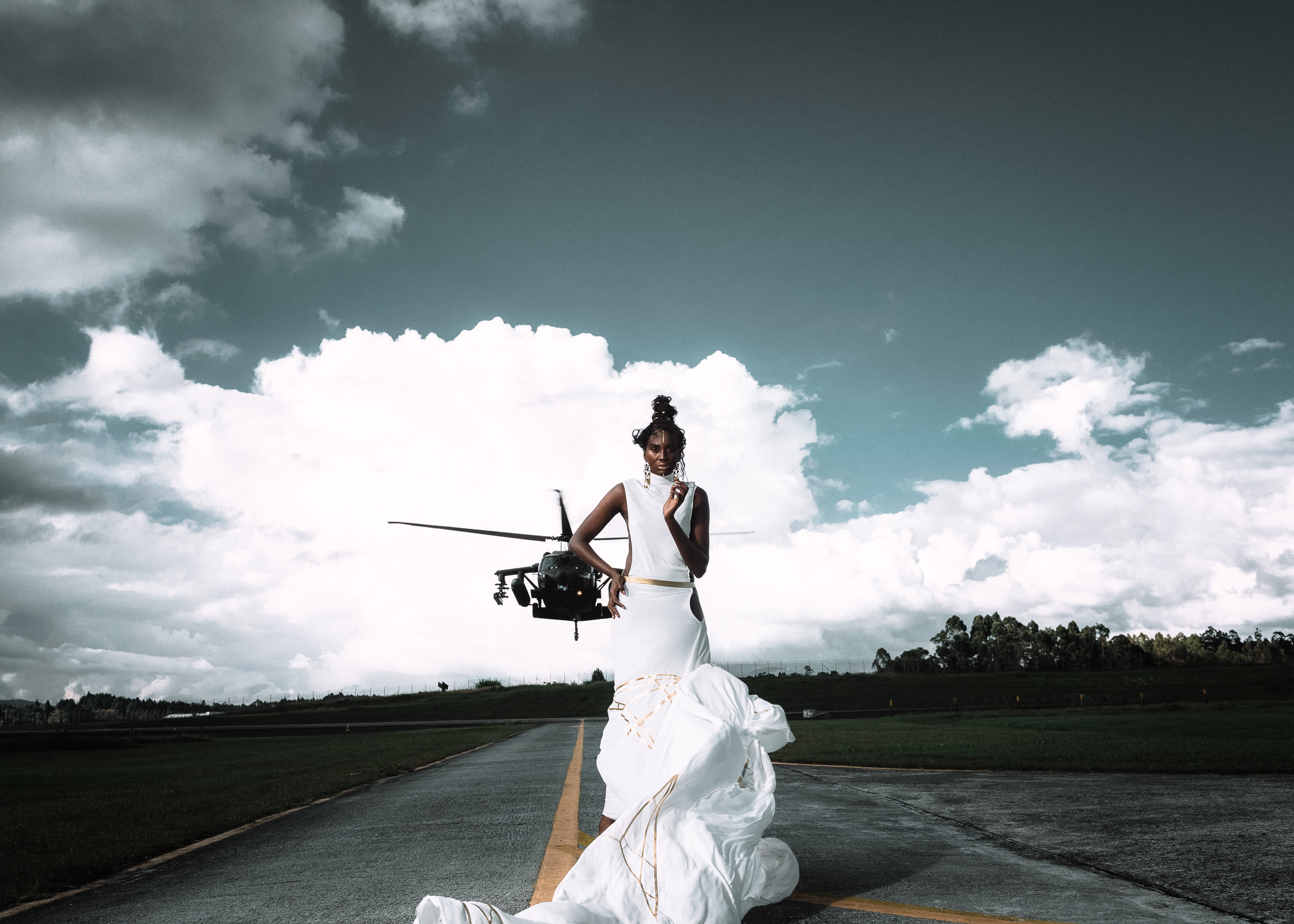 Fashion photoshoot con helicoptero Colombia