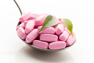 natural-vitamin-supplements-on-the-spoon