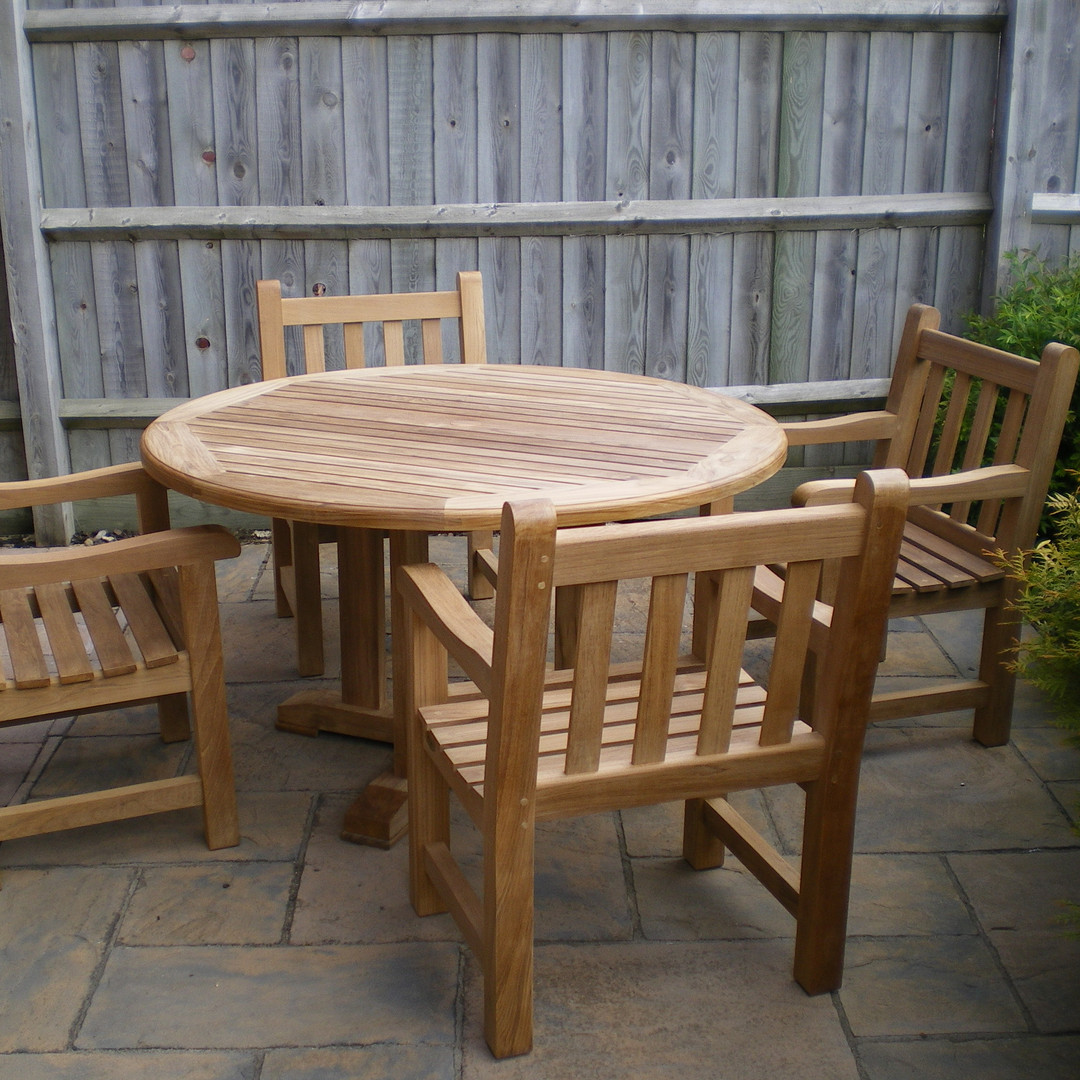 Warrior 1500 Teak Table with four Leviat