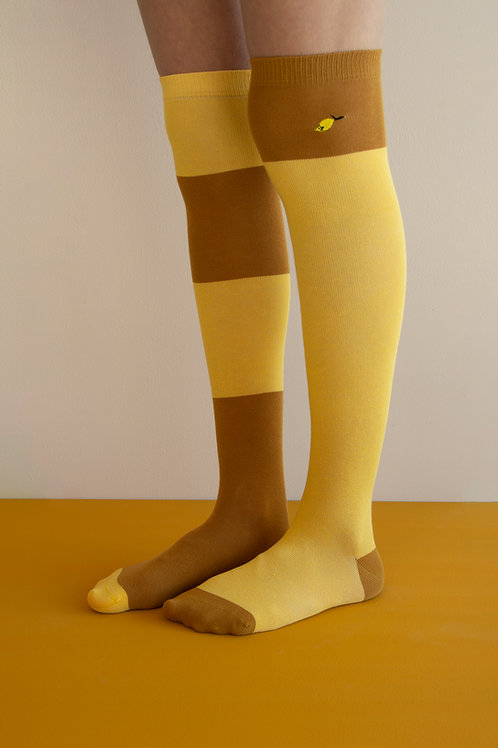Over the knee socks | wanderer | retro yellow + caramel fudge