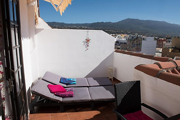 Terrasse mit toller Aussicht.jpg