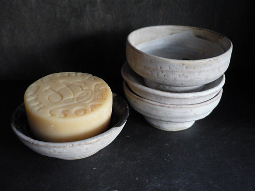 Small Ceramic draining soap dish