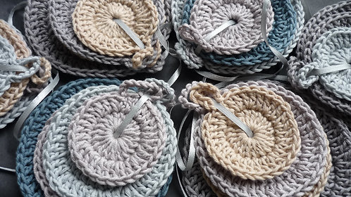 Hand crocheted facial cleaning rounds