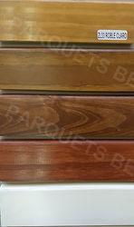 zócalo de madera laqueado
