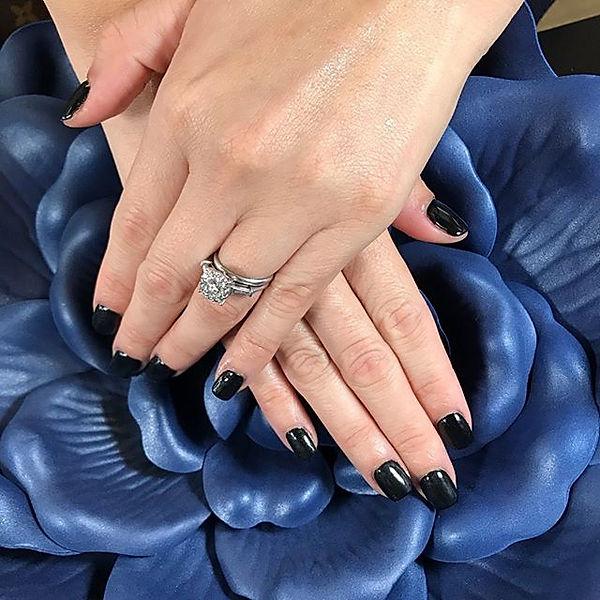 Pretty black dip powder.__#nontoxicnails