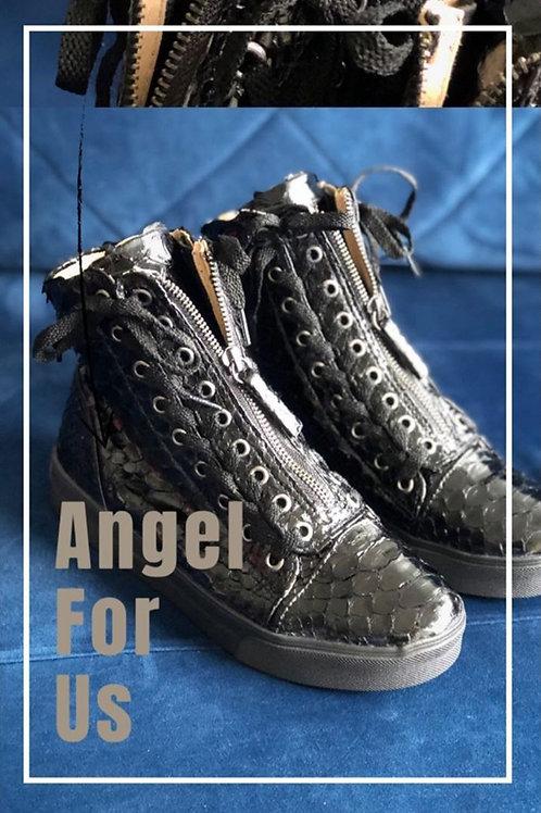 Angel Python Preto