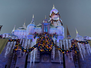 10 Reasons to Visit Disneyland During the Holidays