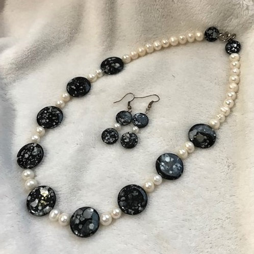 Pearls and Shells Necklace & Earrings Set