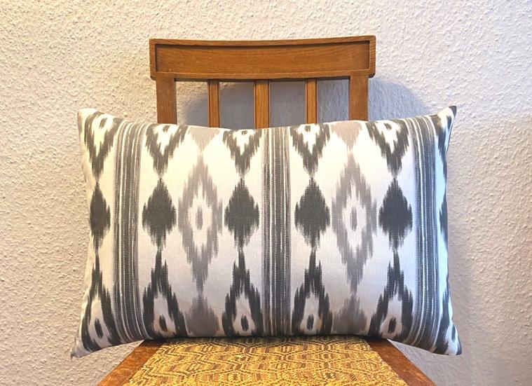 Kissenbezug im typisch mallorquinischen Muster - 40 x 60 cm