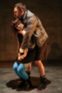 Dans Rue Fable, Omnibus, avec Bryan Morneau. Phot de Cathrine Asselin-Boulanger
