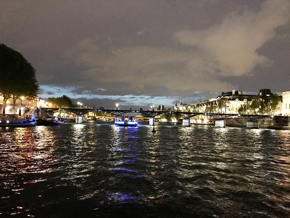 Pont Neuf at night