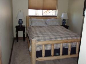 Floor 2 Bedroom