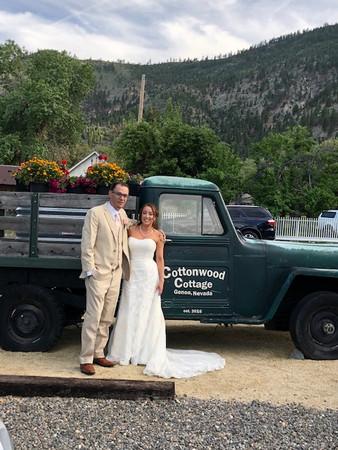 Cottonwood Cottage Wedding With Mojo