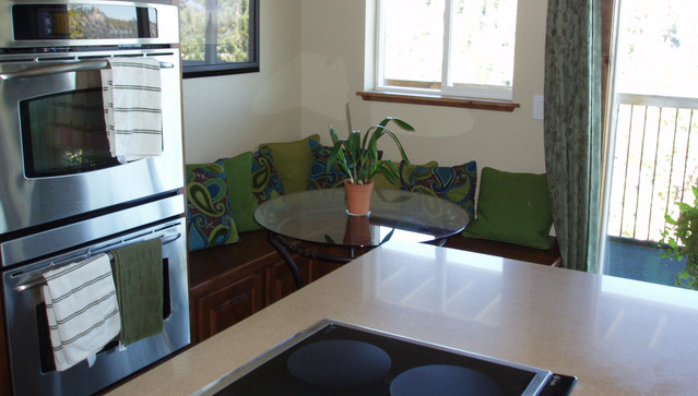 Kitchen Island and Eating Nook