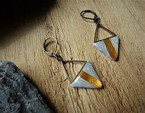 boucles oreilles triangle graphique  gri