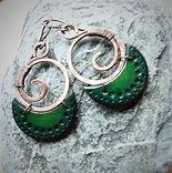 boucles oreilles vert lune gravée spiral