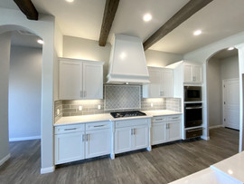 2676 Kitchen with Micro/Oven/Warming Drawer