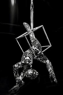 Acrobati | Acrobatii | Show Acrobatic - Spectacol Acrobatii - acrobatie | aerial cube, cub - acrobatii la inaltime | acrobati Bucuresti, Pitesti, Ploiesti, Targoviste, Gaesti, Giurgiu, Ilfov. Acrobati profesionisti - acrobate, acrobata, acrobatii in aer, acrobati evenimente, acrobati nunta, spectacol acrobatic, show acrobatic, acrobatie in aer - acrobati Bucuresti - acrobate Bucuresti - eveniment cu acrobati - artisti acrobati de performanta - sportivi acrobati