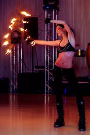 Spectacol cu Foc   Jonglerii cu Foc   Fachiri Bucuresti Nunta Dansatori - Dansatoare