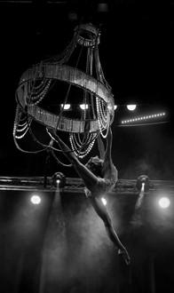 Acrobati | Acrobatii | Show Acrobatic - Spectacol Acrobatii - acrobatie | aerial chandelier - candelabru - acrobatii la inaltime | acrobati Bucuresti, Pitesti, Ploiesti, Targoviste, Gaesti, Giurgiu, Ilfov. Acrobati profesionisti - acrobate, acrobata, acrobatii in aer, acrobati evenimente, acrobati nunta, spectacol acrobatic, show acrobatic, acrobatie in aer - acrobati Bucuresti - acrobate Bucuresti - eveniment cu acrobati - artisti acrobati de performanta - sportivi acrobati
