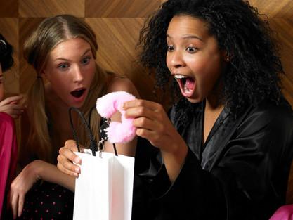 Top 8 cadouri pentru mireasă la petrecerea burlăcițelor!