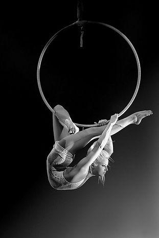 Acrobati | Acrobatii | Show Acrobatic - Spectacol Acrobatii - acrobatie | aerial hoop - acrobatii la inaltime | acrobati Bucuresti, Pitesti, Ploiesti, Targoviste, Gaesti, Giurgiu, Ilfov. Acrobati profesionisti - acrobate, acrobata, acrobatii in aer, acrobati evenimente, acrobati nunta, spectacol acrobatic, show acrobatic, acrobatie in aer - acrobati Bucuresti - acrobate Bucuresti - eveniment cu acrobati - artisti acrobati de performanta - sportivi acrobati