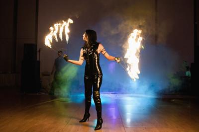 Spectacol cu Foc | Jonglerii cu Foc | Fachiri Bucuresti Nunta Dansatori - Dansatoare