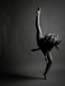 Dansatori Contamporan Bucuresti