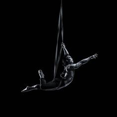 Acrobati | Acrobatii | Show Acrobatic - Spectacol Acrobatii - acrobatie | aerial harness, ham - acrobatii la inaltime | acrobati Bucuresti, Pitesti, Ploiesti, Targoviste, Gaesti, Giurgiu, Ilfov. Acrobati profesionisti - acrobate, acrobata, acrobatii in aer, acrobati evenimente, acrobati nunta, spectacol acrobatic, show acrobatic, acrobatie in aer - acrobati Bucuresti - acrobate Bucuresti - eveniment cu acrobati - artisti acrobati de performanta - sportivi acrobati