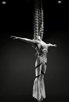 Acrobati | Acrobatii | Show Acrobatic - Spectacol Acrobatii - acrobatie | aerial net - plasa - acrobatii la inaltime | acrobati Bucuresti, Pitesti, Ploiesti, Targoviste, Gaesti, Giurgiu, Ilfov. Acrobati profesionisti - acrobate, acrobata, acrobatii in aer, acrobati evenimente, acrobati nunta, spectacol acrobatic, show acrobatic, acrobatie in aer - acrobati Bucuresti - acrobate Bucuresti - eveniment cu acrobati - artisti acrobati de performanta - sportivi acrobati