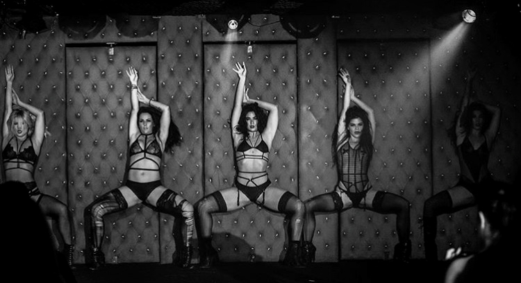 Stripteuse | Animatie Topless Show