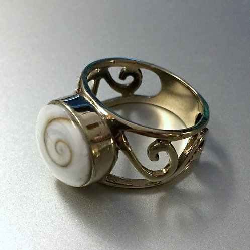 Shell Brass Ring