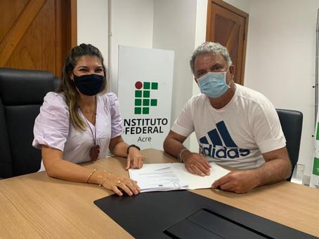 Senador Petecão reúne com a reitora do Instituto Federal do Acre Rosana Cavalcante