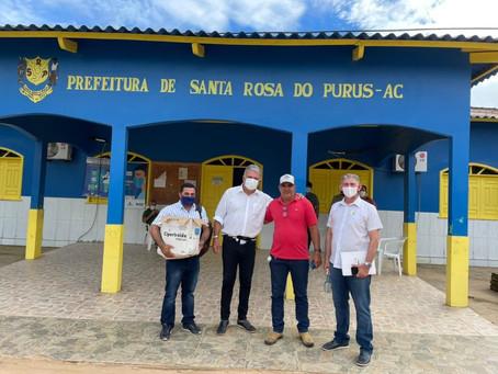 O Senador Sérgio Petecão participa de agenda com o Prefeito Tamir Sá em Santa Rosa do Purus