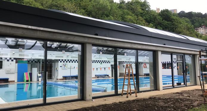 tenis piscina IMG_3911.JPEG