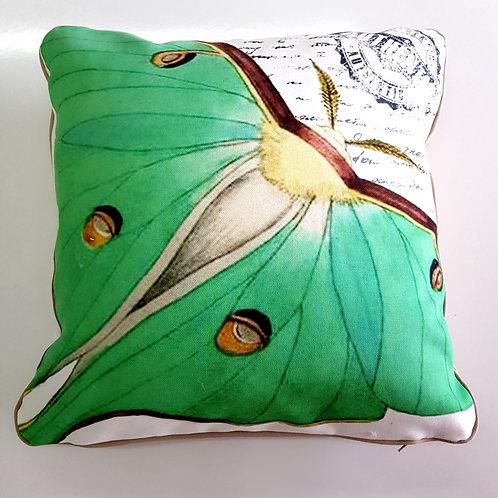 Декоративна възглавница /Butterfly Decorative Pillow