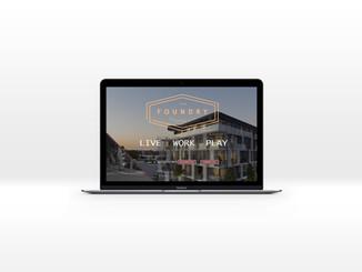 001-MacBook-Silver website mockup foundr