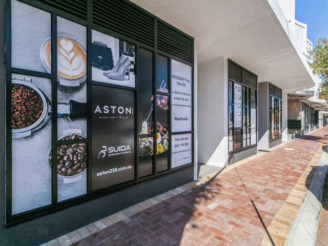 PRINT Shots of New External Window Signa