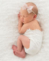 15Cameo-Newborn-Girl-Pregancy-Leeds-Phot