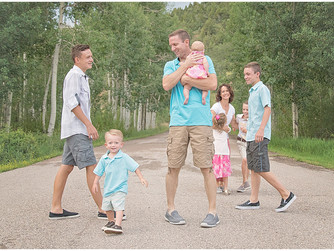 Preparing for your family photos and keep everyone happy | Cedar City Photographer
