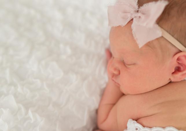 13Cameo-Newborn-Girl-Pregancy-Leeds-Phot